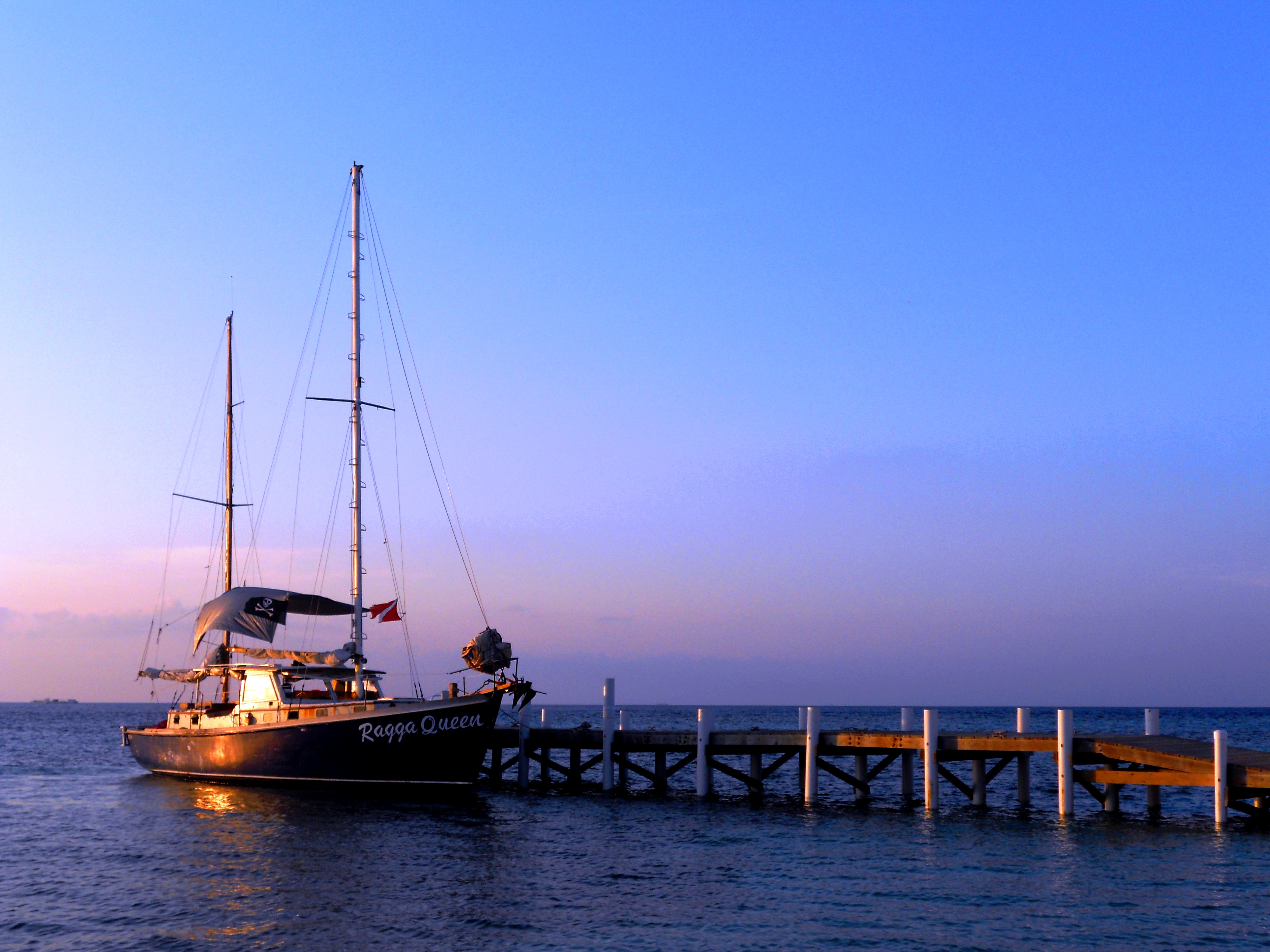 Ragga Queen Docked at Rendezvous Caye by Erin Mutrie